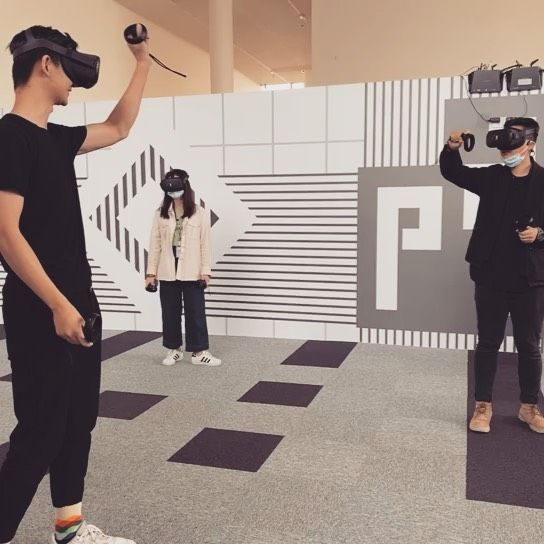 💥Very excited to launch the new VR room @dslcollection x Pingshan Museum in China !  A one-of-a-kind  multiplayer experience around the introspection of 9 major artworks   #chinesecontemporaryart #digitalart #digitalage #virtualreality #technology #newartexperience #dslcollection #pingshanmuseum #shenzhen #china #aika #aikaselection