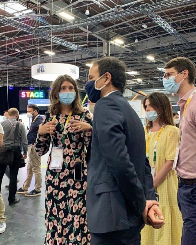 AiKa @ VivaTech📢 Presenting our last VR social platform to @cedric_o_num , French Minister of Digital👏🏻  Thank you for visiting our booth @cadaf_art @beauxarts_magazine   Day 2 at VivaTech is going on, hoping to see you all at booth D42🙂🎮💥  #aika #vivatech #cadaf #beauxartsmag #dslcollection #technology #digitalart #digitalage #collaboration #art #immersive #experience #vr #gaming #metaverse