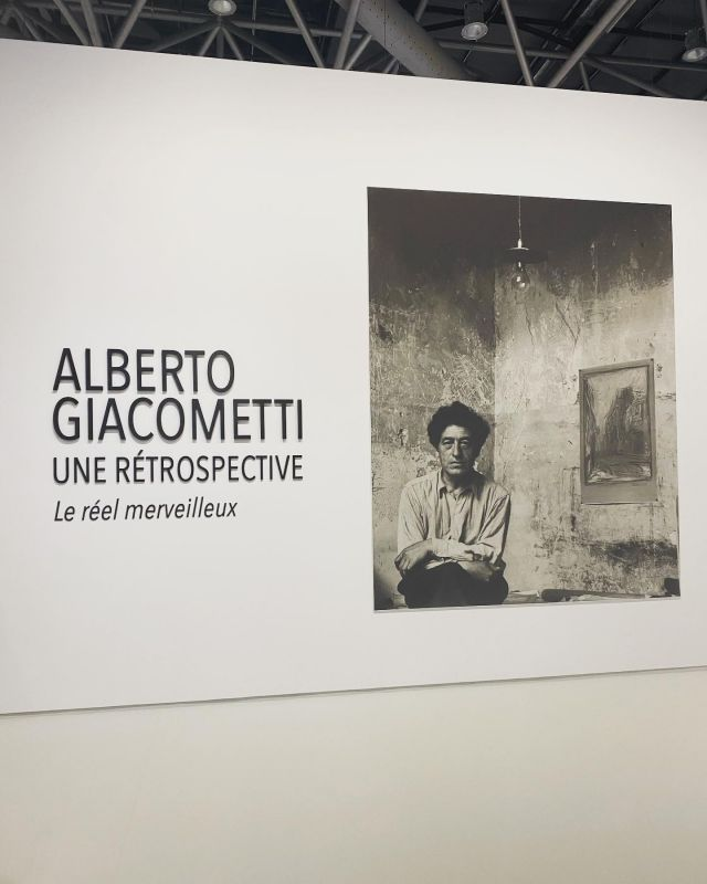 Albert Giacometti @grimaldiforum in partnership @fondationgiacometti 03 Juillet - 29 Aout 2021 This journey into the creation of Alberto Giacometti is made under the sign of wonder.  We loved the immersive room and videos sequences of him in his ateliers and different places  #mustsee #grimaldiforum #giacomettimonaco #giacometti #art #sculptures #genius ☀️🖼